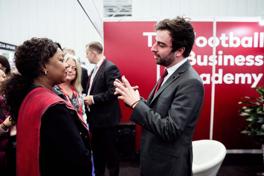 Co-fondateur de la FBA, Dorian Esterer en compagnie de Fatma Samoura, secrétaire général de la FIFA, lors du dernier forum Soccorex en 2018.