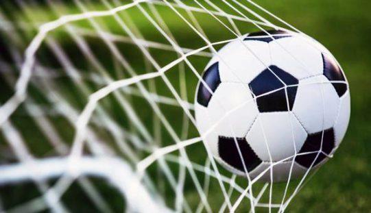 Joli but de Pham contre Chile Sport