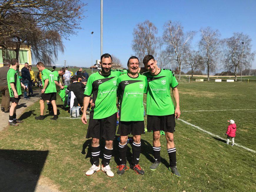La famille Fayet au complet sous le maillot du FC Fey IA